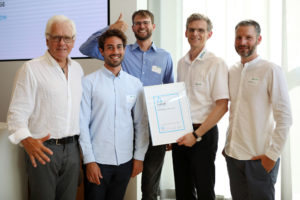 The Team of the Green Hydrogen Esslingen GmbH with their award.