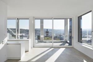 Ein Highlight des Projekts: Die sonnendurchfluteten Penthouse-Wohnungen nach der Aufstockung | Quelle: Dietmar Strauß