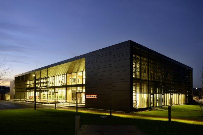 Der Energy Campus von DGNB Mitglied Stiebel Eltron ist mit einem DGNB Zertifikat in Platin ausgzeichnet worden. Carsten Bremer war der Auditor © STIEBEL ELTRON